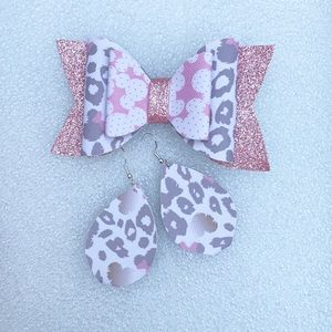 MOMMY & ME HAIR BOW AND EARRINGS SET